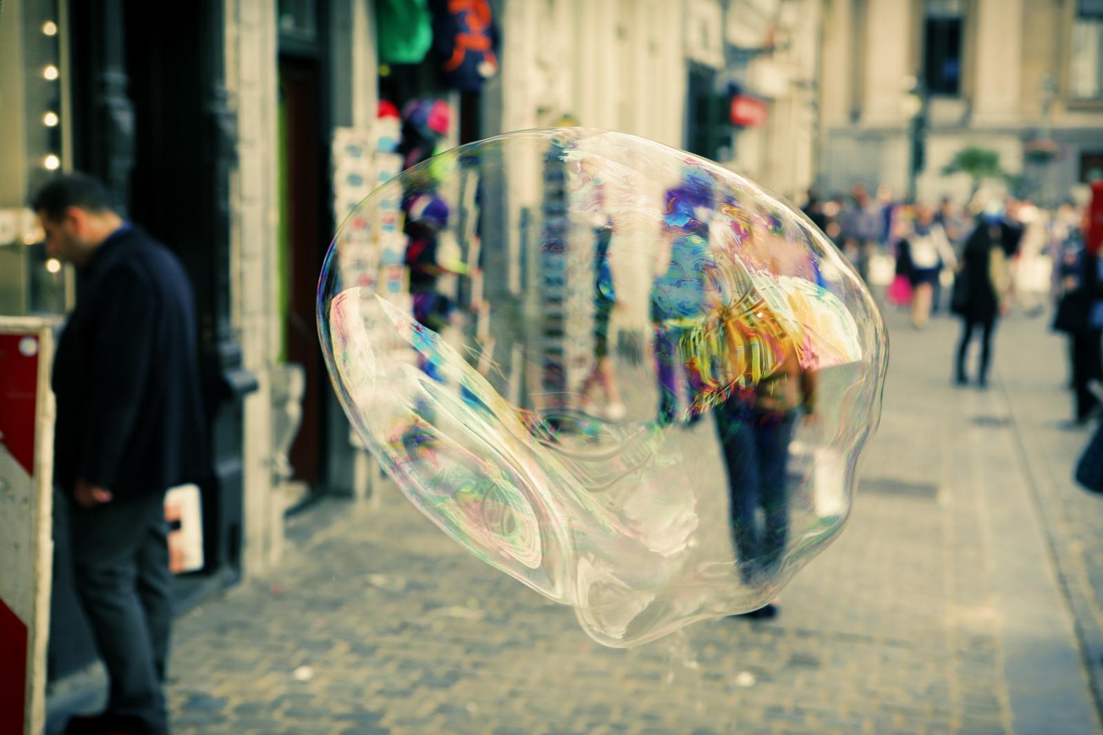 2014-07-life-of-pix-free-stock-Leger comme une bulle-belgium-brussels-city-soap-bubble