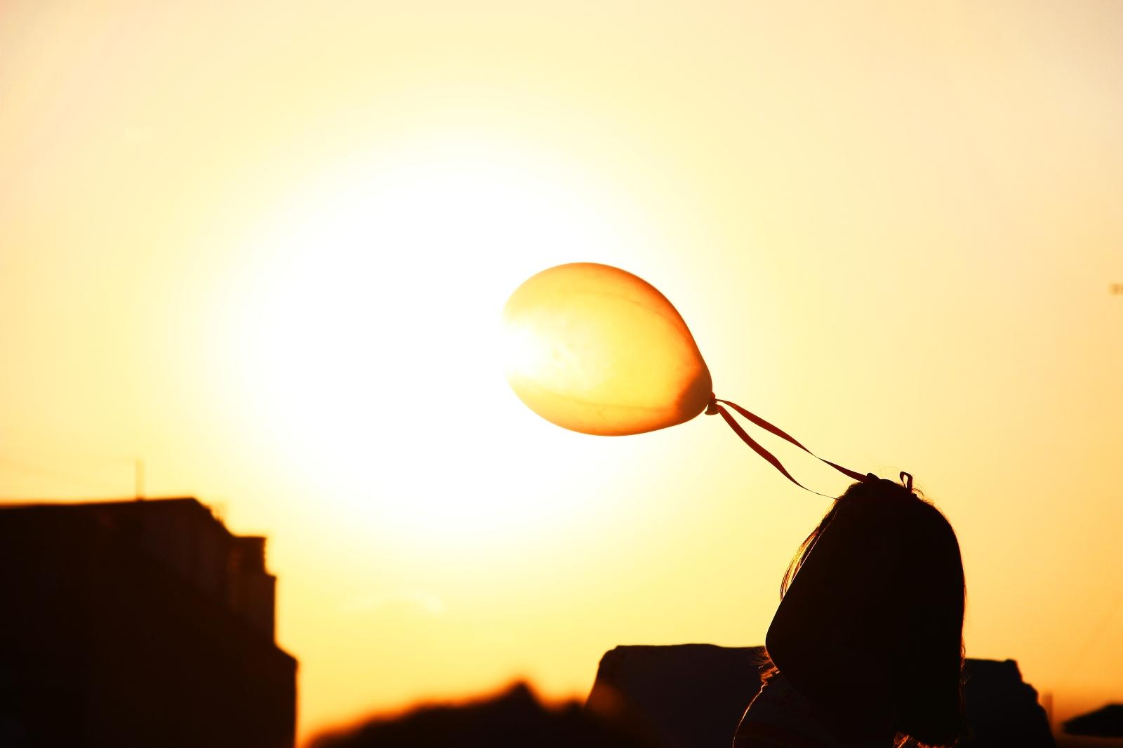 2015-02-Life-of-Pix-free-stock-photos-sky-girl-balloon-sun-bruno-ramos-lara